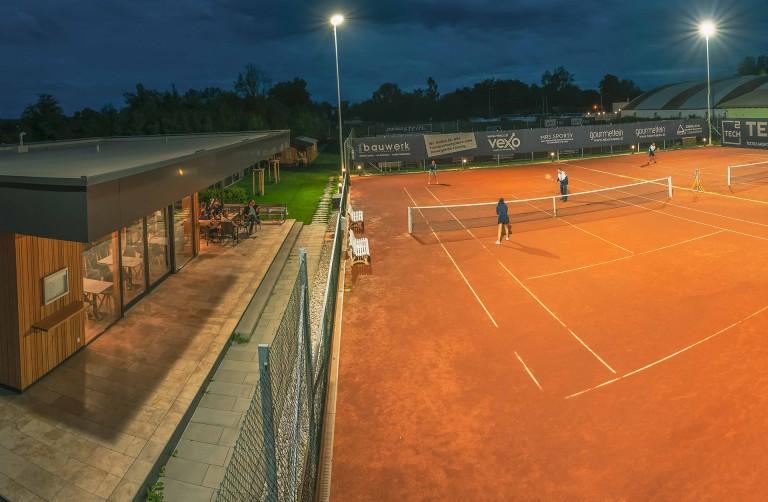 askoe-tennis-back